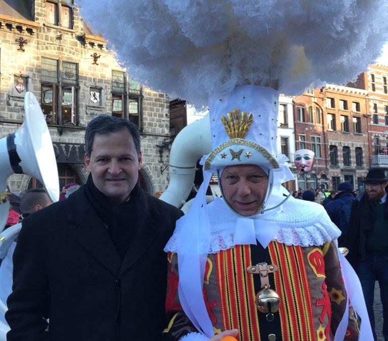 ColombianAmbassadorH.E. SergioJaramillo Caro and his wife visited the Carnaval festivities of Binche